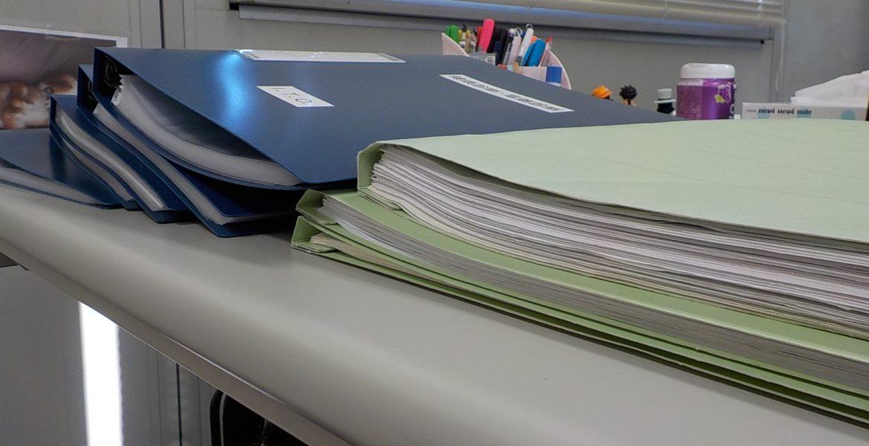 書類整理と確認